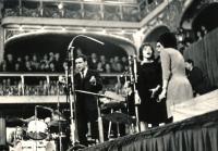 Vystoupení Vokálního kvintetu Tomislava Vašíčka v roce 1963 v Lucerně
