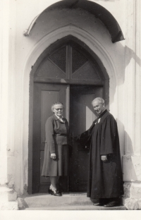 Anna a Antonín Balabánovi (Danielovi prarodiče) v Zábřehu na Moravě