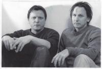 Daniel Balabán s mladším bratrem Janem. Ostrava, kolem roku 2000
