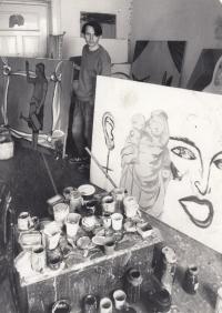 Daniel Balabán ve svém ateliéru v ulici Prokopa Velikého v Ostravě-Vítkovicích - 1986