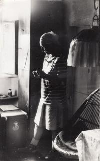 Malířka Milada Schmidtová Čermáková (teta Daniela Balabána) -Vysočina, 1976