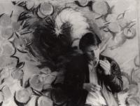 Daniel Balabán před svým obrazem inspirovaným výbuchem raketoplánu Challenger - 1986