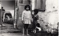 Již neexistující kolonie Dolu Hlubina na fotografii Daniela Balabána - Ostrava, polovina 70. let