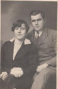 Rodiče pamětnice Jan a Marie Liškovi (30. či 40. léta 20. století)
