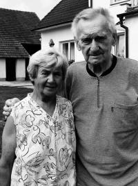 Josef Brzoň s manželkou, Bernartice 2019 c