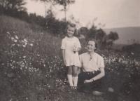 Kristina Balcarová s paní, 1941