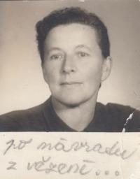 Matka pamětnice Marie Lišková po návratu z vězení