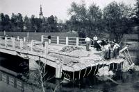 Most přes příkop u mlýna v Litovli, 8. 5. 1945