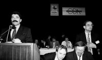 Jan Kalvoda, první zleva, s kolegy z Občanského fóra, 1990