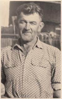 Otec Jan Liška po návratu z vězení (z fotografie je patrné, že ve vězení přišel o chrup)