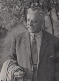 Otec Jaroslav Hlubůček, 1955