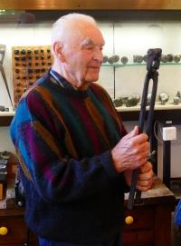Ernst Weber se sklářskou formou leden 2019