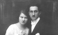 Rodiče Karel a Anna Šikovi roku 1925