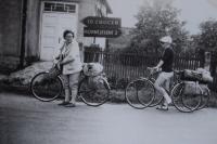 Cykloturistky, z NDR skoro doma, 1967