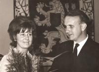 Občanský sňatek s Radanou Fürstovou, Praha  (1965)
