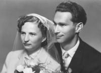 Svatební fotografie Lubomíra a Marie Šikových, 1957