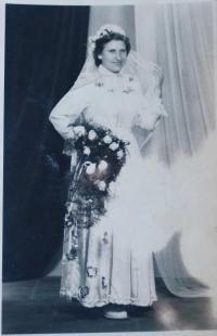 Karol´s wife - Mrs. Hetteš