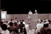 První jednání pléna MNV po kooptacích poslanců, hovoří Karel Stehno (KSČ), pozdější tajemník (poskytlo Muzeum Vysočiny Havlíčkův Brod)