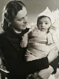 Eliška Bočková s maminkou