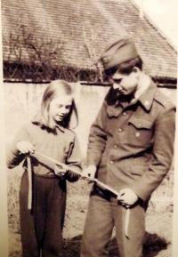 Josef Luxemburg se sestrou