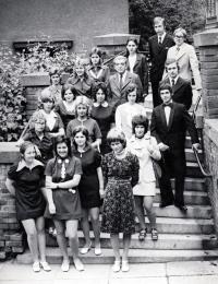 Pavel Bártek (první zprava dole) s maturitní třídou / Nový Jičín / 1973