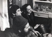 Pavel Bártek (uprostřed) s Hanou Mynářovou a Rostislavem Pospíšilem / Nový Jičín / 1989