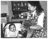 Dcera Jiřiny Nehybové s babičkou Blaženou Dušatkovou