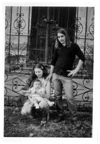 Jiřina Nehybová s dcerou Alicí a manželem Romanem Nehybou