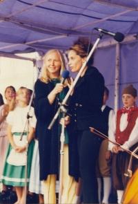 Na křtu Almanachu dětských básniček (s Lucií Bílou)