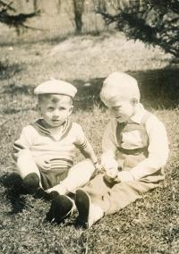 Josef Baxa (vlevo), cca rok 1963-1964