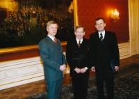 JUDr. Michal Mazanec, prezident Václav Havel a Josef Baxa (2003)