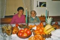 U vánočního stolu s maminkou