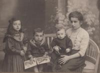 Sestra babičky, Ewald Weiss, Rudolf Weiss, Augusta Weissová, Nymburk, 20. léta 20. století