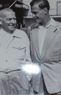 1956, Pavel Taussig s tátou v Praze