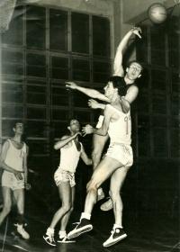 Jiří Zídek (jumping, shooting), undated photograph