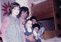 Dcera Zuzana, matka Milena, synové Jan a David, synovec Robert