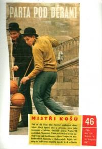 Jiří Zídek (left) on the cover of the Stadion magazine (November 1967)