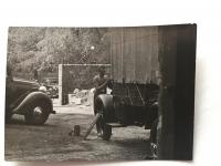 Lázló Regéczy-Nagy v mládí coby automechanik