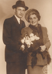 ??, teta Hilda Prágrová, roz. Ledererová
