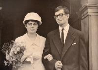 Svatební fotografie Oldřicha a Marie Novotných, 1965