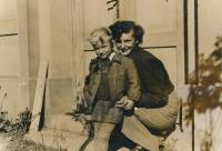 Václav Dašek se sestrou Marií, cca 1953