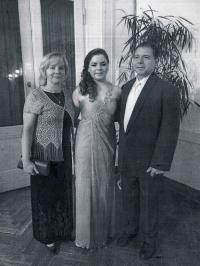 Syn Michal s manželkou a dcerou