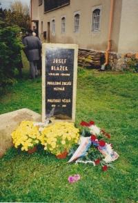 Fotografie pamětní desky Josefa Blažka
