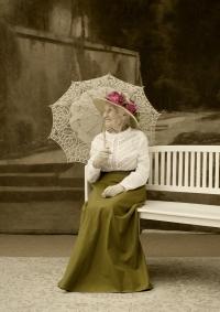 Ruth Hálová ve fotoateliéru Seidel