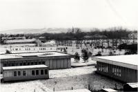 Studenti u kolejí ve Čtyřech Dvorech v Českých Budějovicích během listopadu 1989