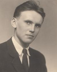 Antonín Pavel Kejdana, maturitní foto, 1951