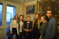Agáta Pilátová s týmem žáků ( Lucie Votrubová, Petra Martínková, Alice Krýslová, Pavel Drahokoupil, Nikol Siegerová)