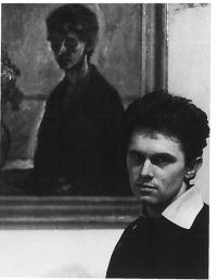 Milan Dobeš pred svojim autoportrétom