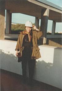 Magda na stavbě rafinérie na Sardinii, asi 1990