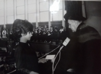 Magda promovaná inženýrka, fakulta stavební, Bratislava 1969
